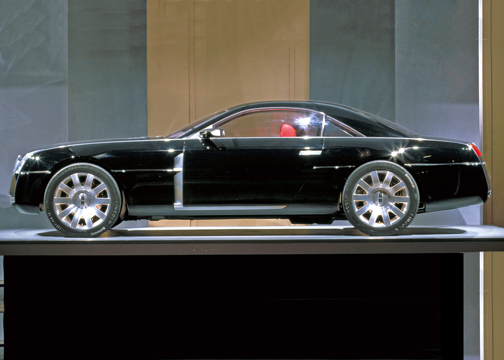 2001 Lincoln Mk9 And 2003 Mercury Messenger Concept Cars